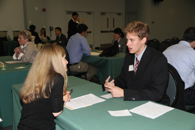 Informational Interviews Provide Benefits to Students and Job Seekers